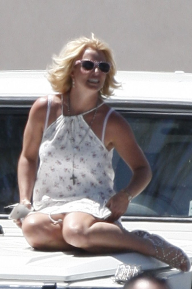 Photos : Britney Spears : oubli de culotte, oops she did it again !
