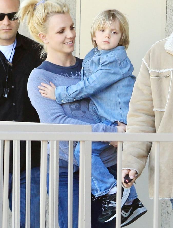 Britney sourit à la vie