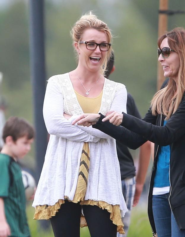 Britney Spears, supportrice de choc pour ses enfants, Los Angeles, le 14 avril 2013