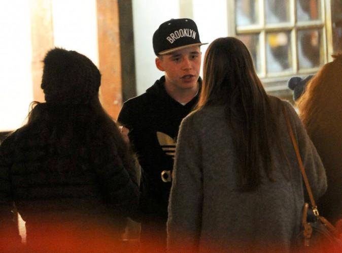 Photos : Brooklyn Beckham : bien entouré, loin de ses célèbres parents !