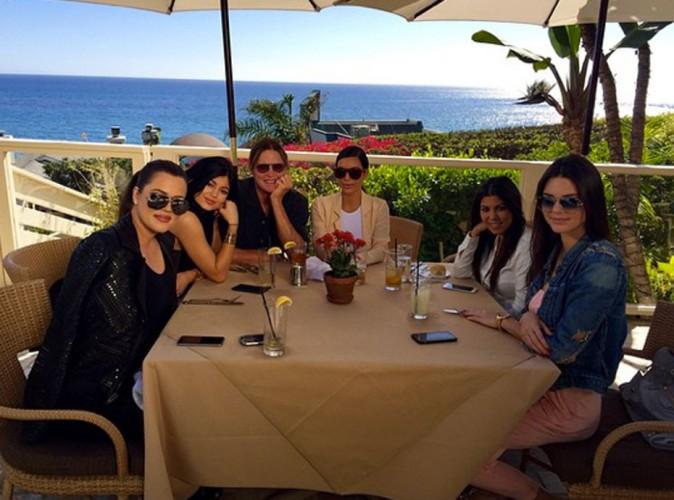 Photos : Bruce Jenner : bien entouré pour son anniversaire !