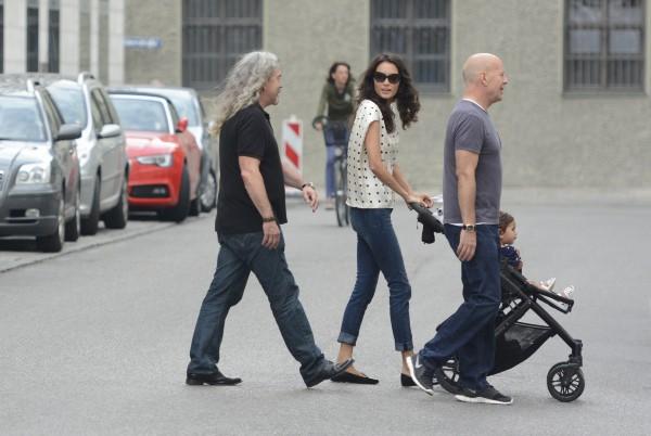 Bruce Willis, sa femme et leur fille en vacances à Munich le 26 juillet