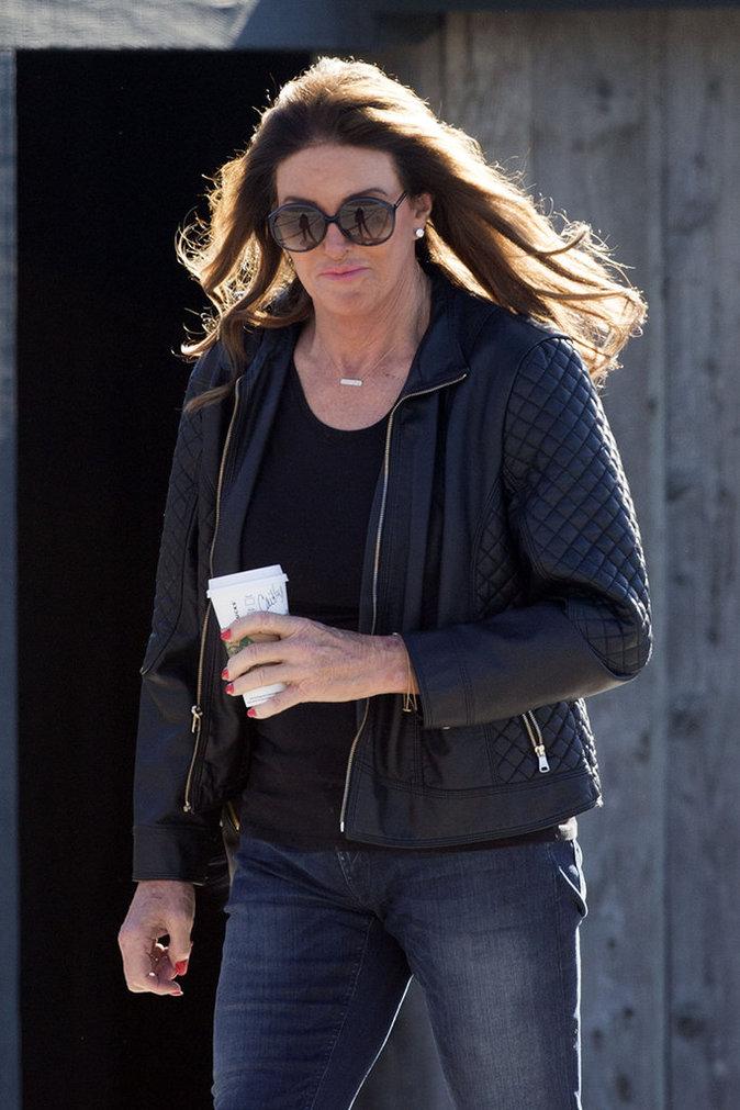 Caitlyn Jenner se change les idées à Malibu