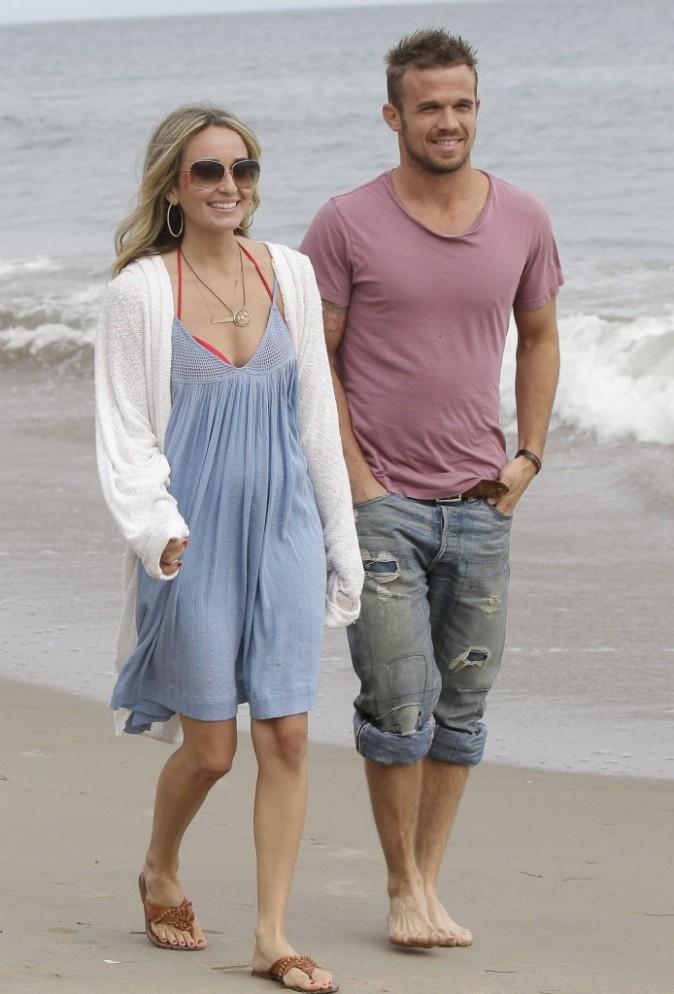 Cam Gigandet et sa compagne Dominique Geisendorff à Malibu, le 4 juillet 2012.