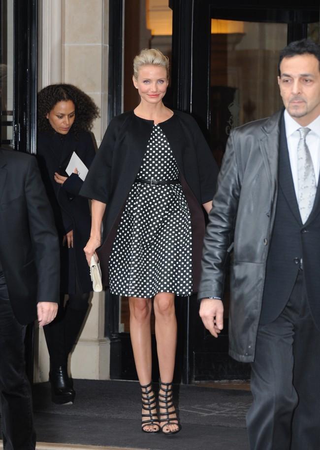 Pour le défilé Dior, Cameron a revu sa tenue...