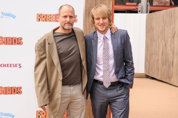 """Woody Harrelson et Owen Wilson lors de la première du film d'animation """"Free Birds"""" à Hollywood, le 13 octobre 2013."""