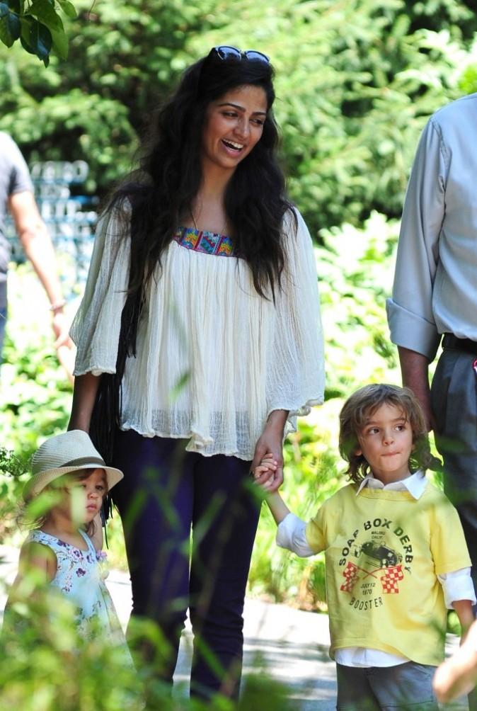 Camila McConaughey et ses enfants au zoo de central Park à New York, le 28 juin 2012.