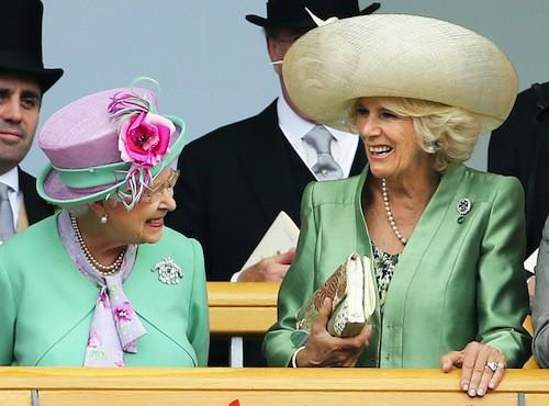 Camilla et Elizabeth II : la femme de Charles a su se faire accepter par la reine!