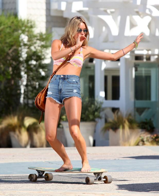 Camille Rowe en shooting pour Victoria's Secret à Santa Monica le 16 septembre 2014