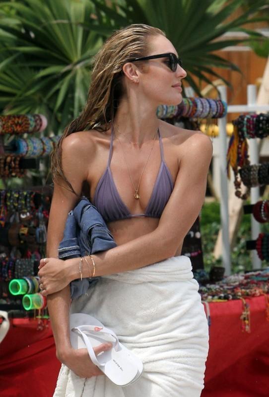 Candice Swanepoel, Miami, 14 septembre 2012.