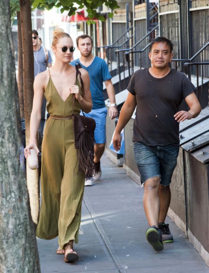 Photos : Candice Swanepoel : le soutien gorge, pour quoi faire ?