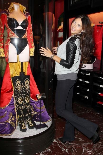 Adriana Lima en promo à New York, le 19 novembre 2012.