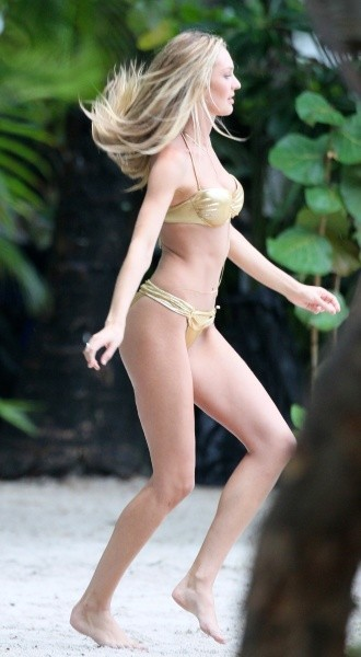 Candice Swanepoel, Miami, 13 septembre 2012.
