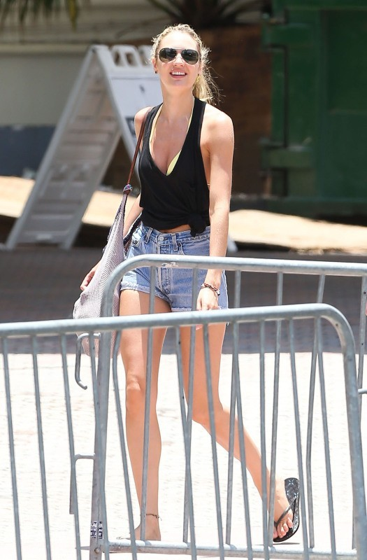 Candice Swanepoel le 26 mai 2013 à Miami