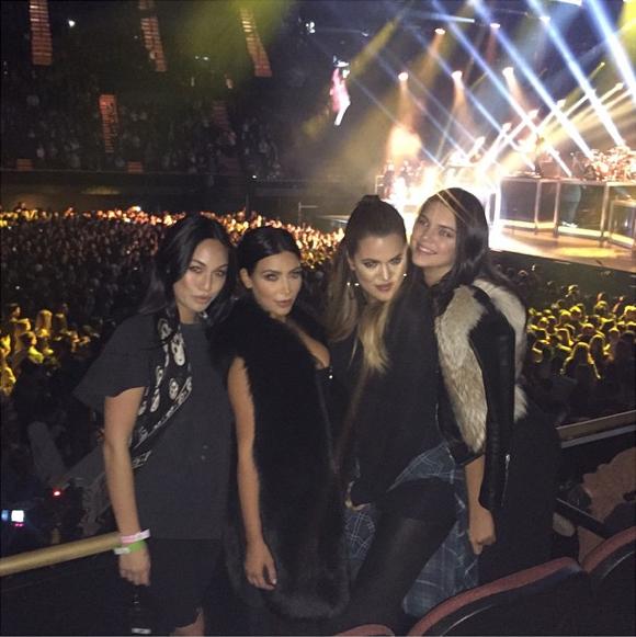 Kim, Khloe, Kendall et Cara Delevingne le 29 janvier 2015