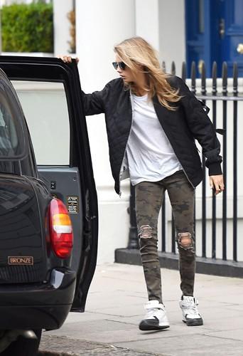 Cara Delevingne à Londres le 2 juillet 2014