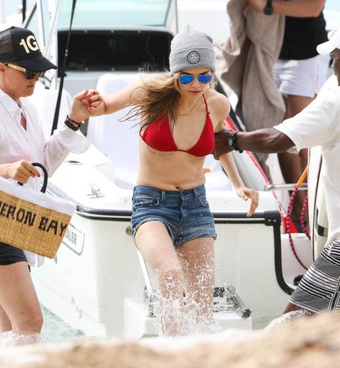 Cara Delevingne en vacances à la Barbade, le 26 décembre 2013.