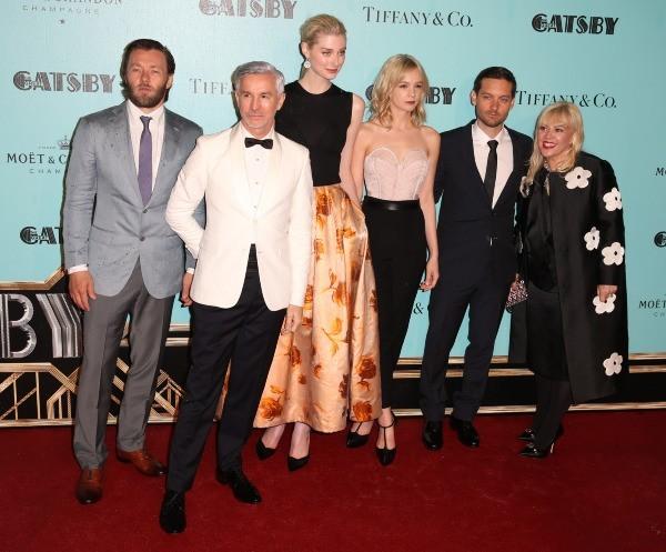 Joel Edgerton, Tobey Maguire, Carey Mulligan, Baz Luhrmann, Catherine Martin et Elizabeth Debicki lors de la première du film Gatsby le Magnifique...