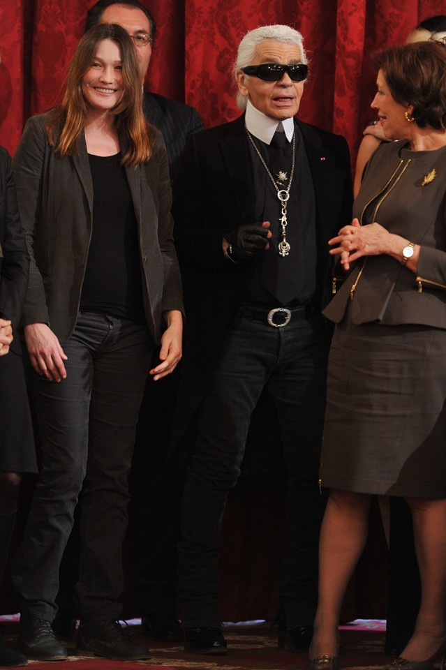 Aux côtés de son ami, Karl Lagerfeld