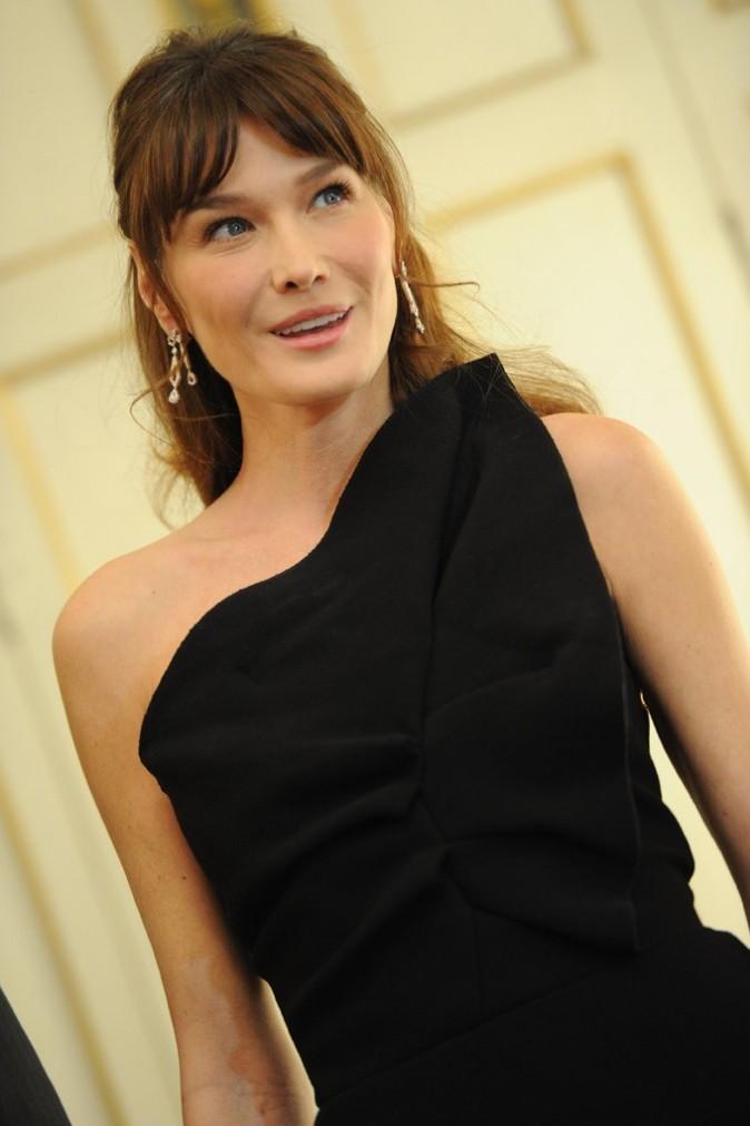 Carla Bruni : une première dame qui fête ses 44 ans, ce vendredi 23 décembre 2011 !