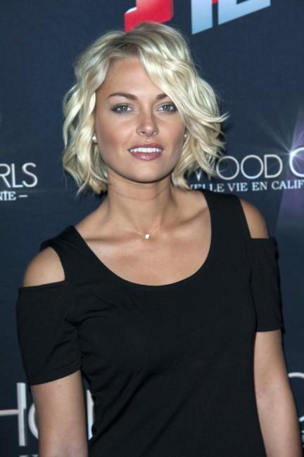 """Caroline Receveur lors de la soirée """"Hollywood Girls 3"""" à Paris, le 12 décembre 2013."""