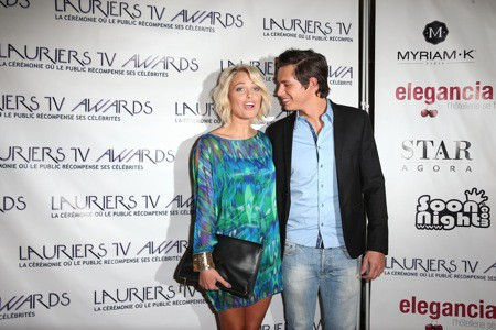 Caroline Receveur : toujours aussi in love de son Valentin, la bombe de NRJ12 lui offre un doux baiser sur redcarpet !