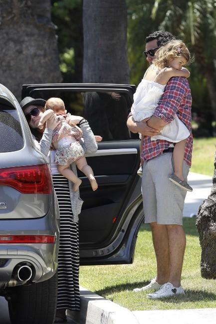 Cash Warren et ses filles à Los Angeles, le 28 mai 2012.