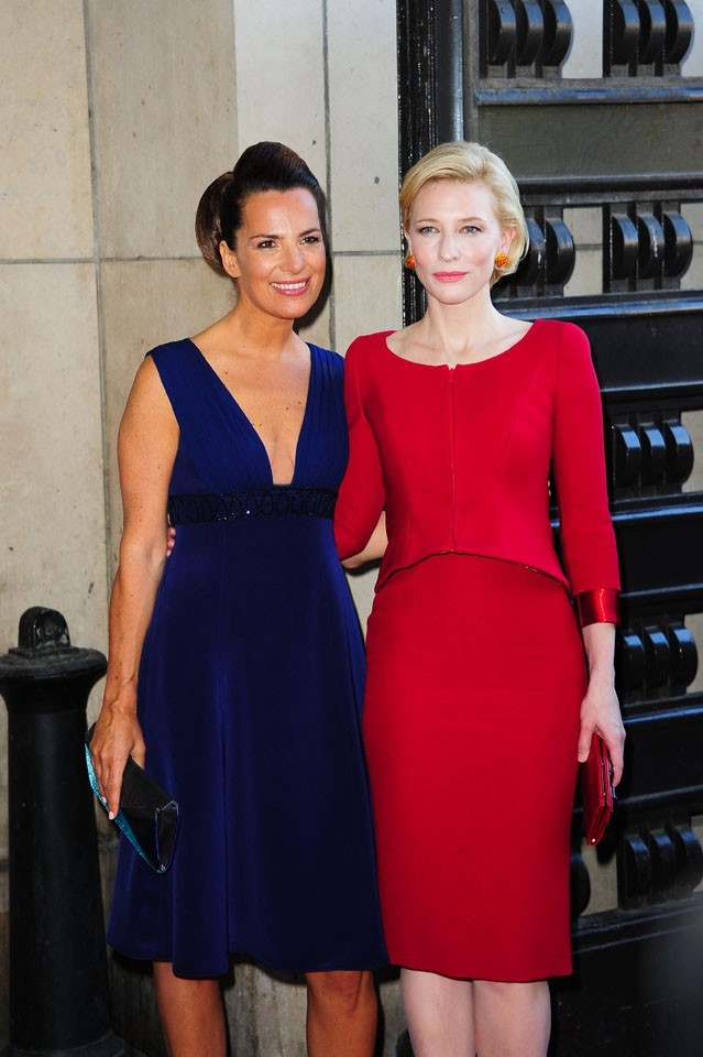 Cate Blanchett et Roberta Armani lors du défilé Giorgio Armani Privé à Paris, le 5 juillet 2011.