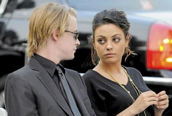 Photos : le couple de stars Mila Kunis/Macaulay Culkin s'est marié trop jeune !