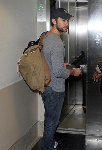 Chace Crawford à l'aéroport de Los Angeles le 9 avril 2013