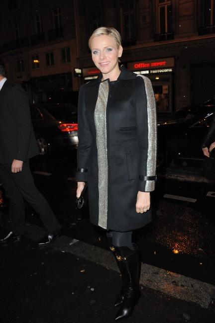 Charlène de Monaco arrive au défilé Versace Haute Couture à Paris, le 20 janvier 2013.