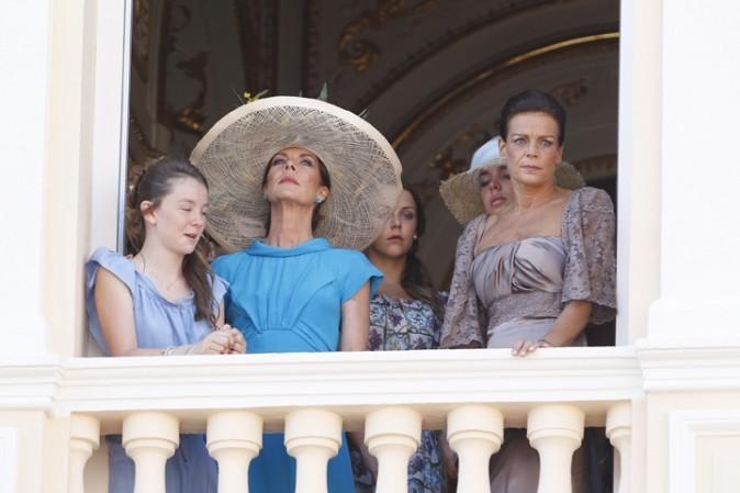 La famille Grimaldi au balcon
