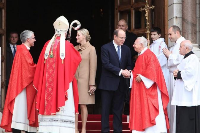 Elle s'est pliée à la grande tradition de Sainte-Dévote