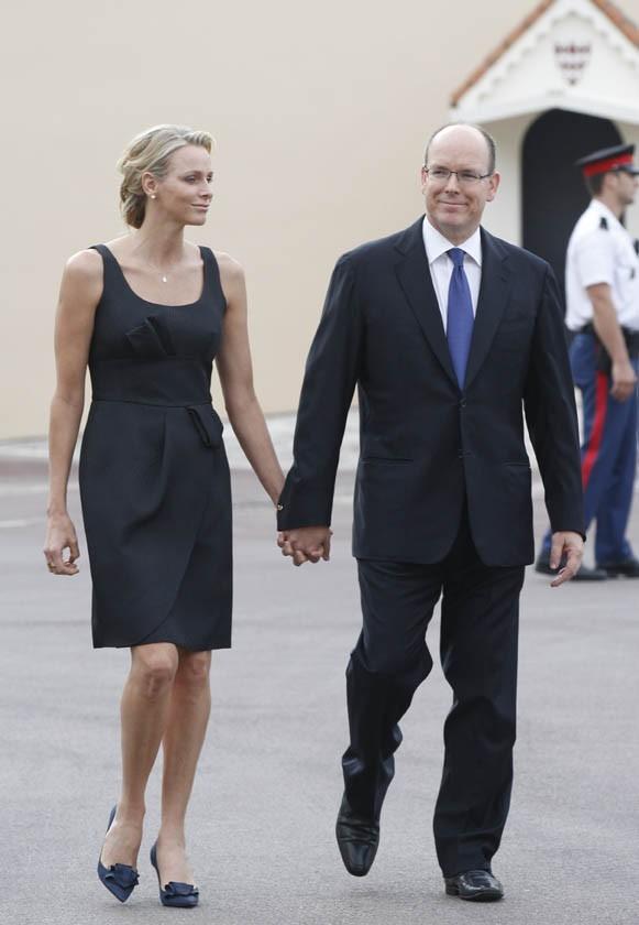 Charlène Wittstock et Albert de Monaco lors de la Fête-Dieu à Monaco, le 23 juin 2011.