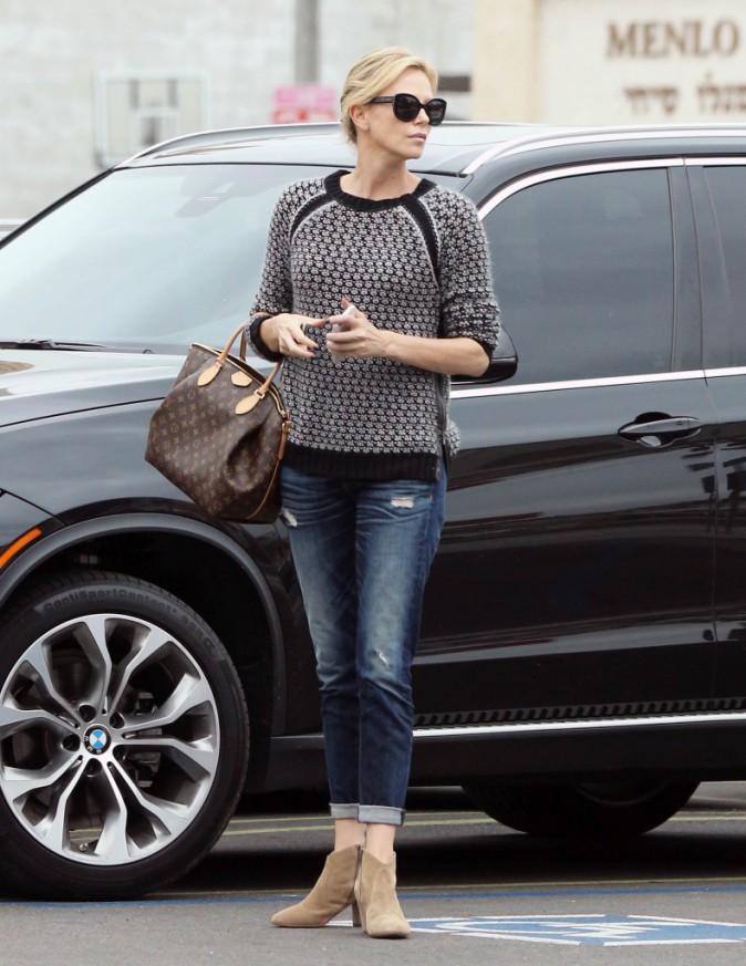 Photos : Charlize Theron : chic en toutes circonstances !