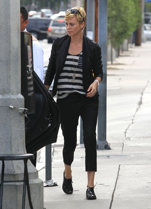 Charlize Theron à Los Angeles le 5 mai 2013