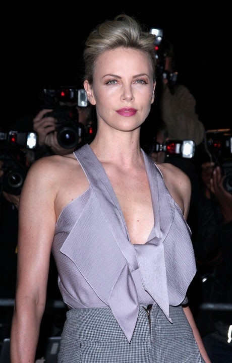 Charlize Theron lors de la cérémonie des GQ Men of the Year Awards à Londres, le 6 septembre 2011.
