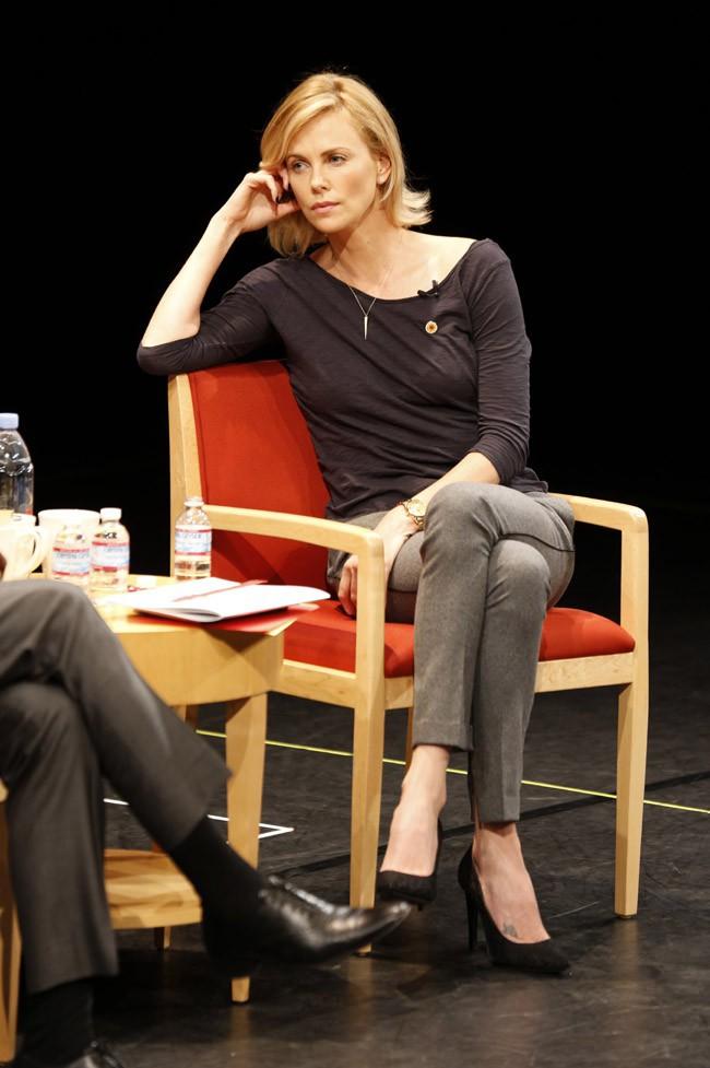 Charlize Theron à Los Angeles le 18 novembre 2014