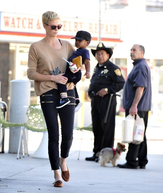 Charlize Theron et son adorable Jackson