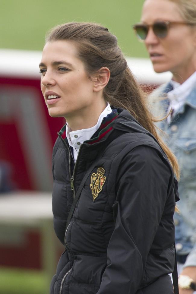 Charlotte Casiraghi au jumping de Chantilly le 18 juillet 2015