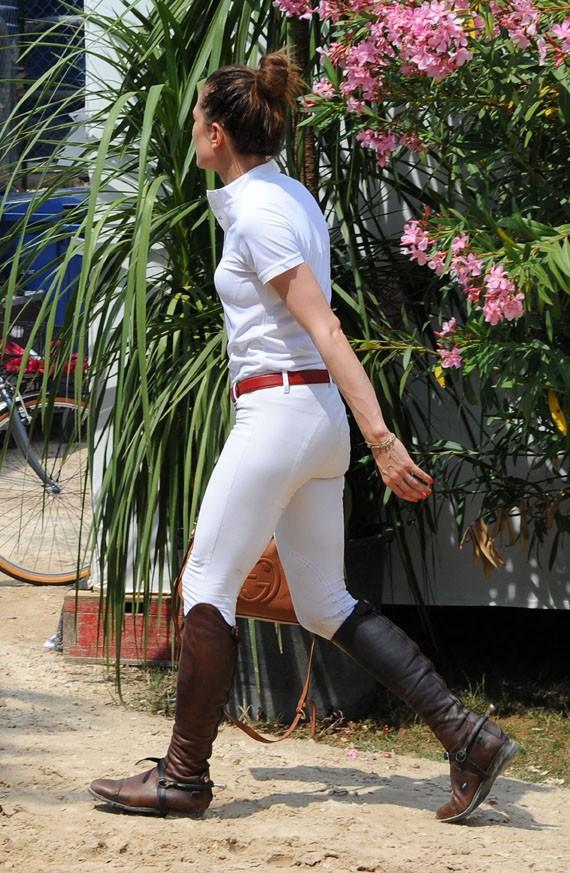 Charlotte Casiraghi au Jumping de Cannes le 12 juin 2014
