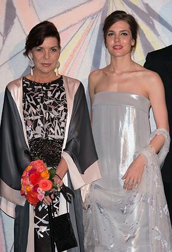 Charlotte Casiragh aux côtés de sa mère Carolinei à Monaco le 29 mars 2014