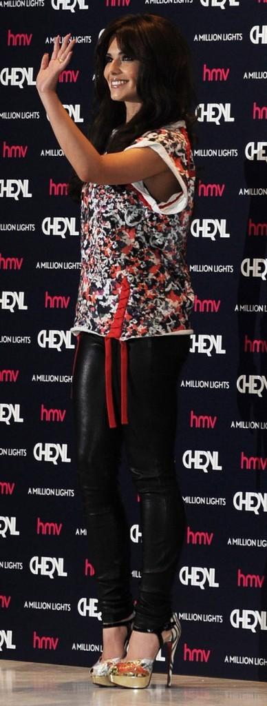 Cheryl Cole en dédicaces à Londres le 18 juin 2012