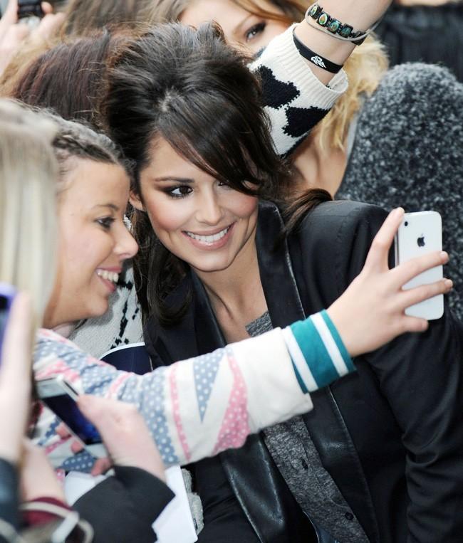 Cheryl Cole devant les studios de la la radio Kiss 100 à Londres le 12 novembre 2012