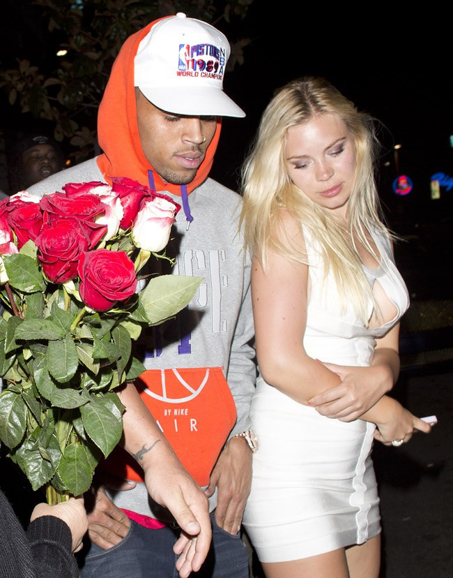 Chris Brown à la sortie du AV nightclub d'Hollywood le 5 août 2013