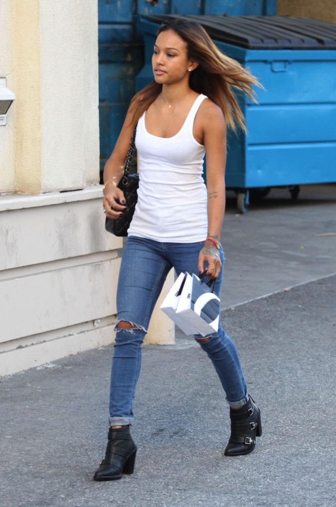 Photos : Chris Brown : tout sourire, il embarque sa belle Karrueche pour une virée shopping !