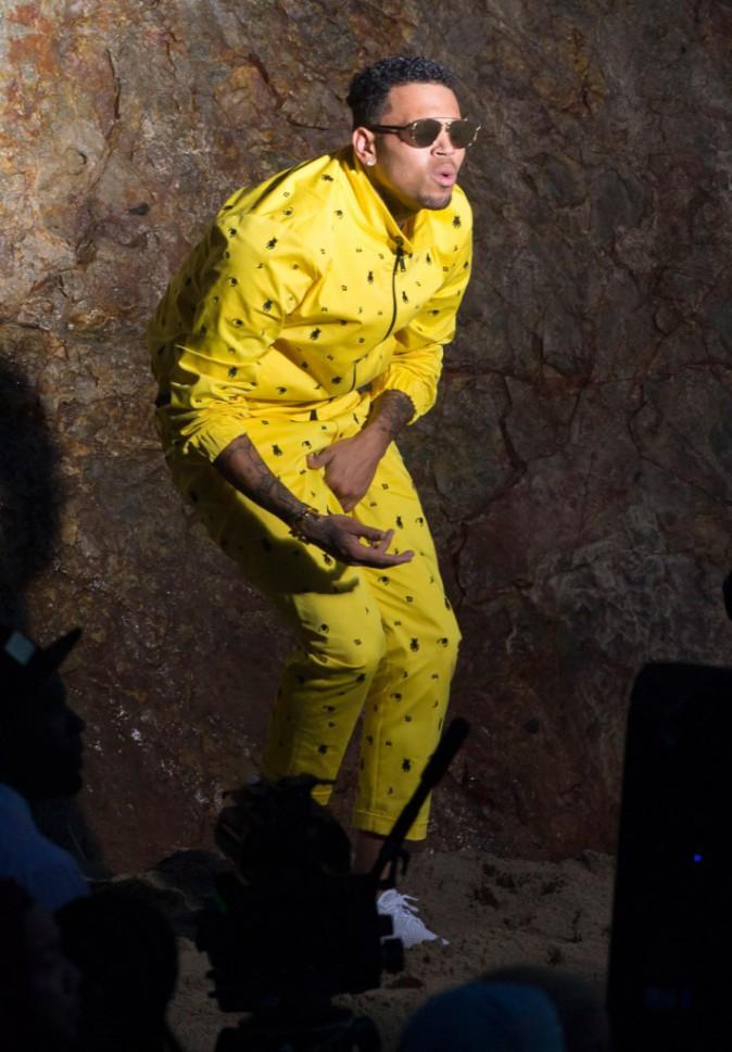"Chris Brown sur le tournage de ""Do it again"""