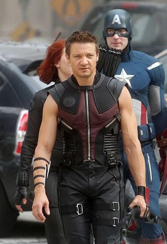 Jeremy Renner dans le rôle d'Œil-de-faucon (The Avengers)