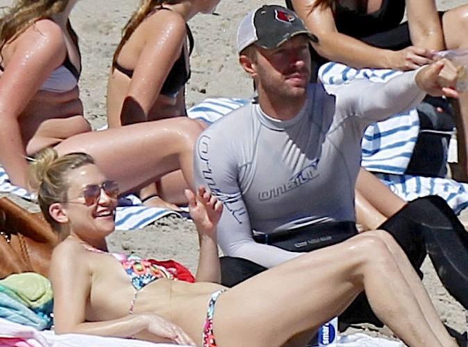Chris Martin à la plage avec Kate Hudson... Jennifer Lawrence doit-elle s'inquiéter ?