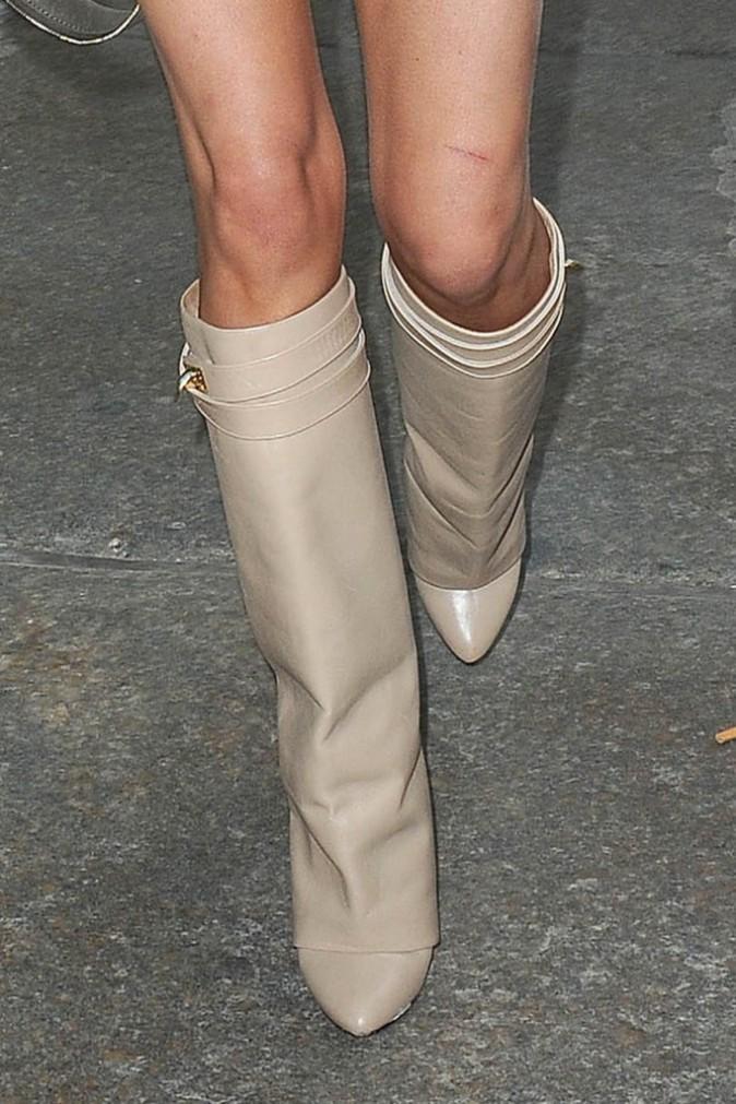 Chrissy Teigen dans les rues de New York le 30 juillet 2014